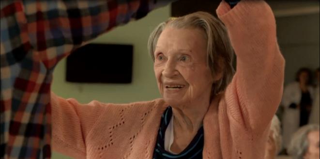 extrait de « Une jeune fille de 90 ans » © Valéria Bruni Tedeschi et Yann Coridian