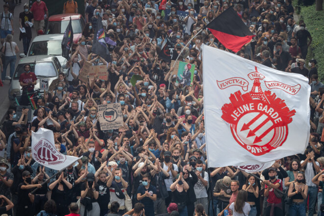 Les antifas dans la manifestation du 12 juin. © Carine Schmitt / Hans Lucas / Hans Lucas via AFP