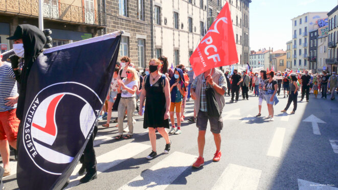 Sous les drapeaux, la plage ? Résistance ! © Georges-André Photos