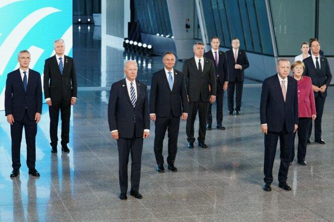Photo de famille au sommet de l'OTAN lundi 14 juin à Bruxelles. © Kevin Lamarque/Pool/AFP