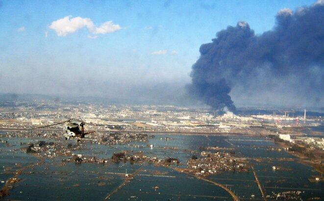 La côte de Sendai au Japon, le 12 Mars 2011 juste après le passage du tsunami © US Navy