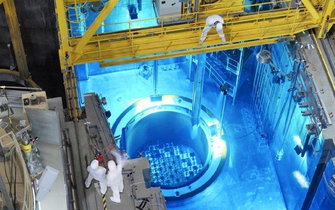 Rechargement de combustible dans un réacteur à Golfech © EDF