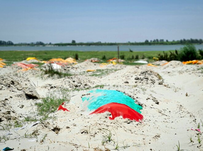 Des corps enterrés le long du Gange dans le district d'Unnao. © CB