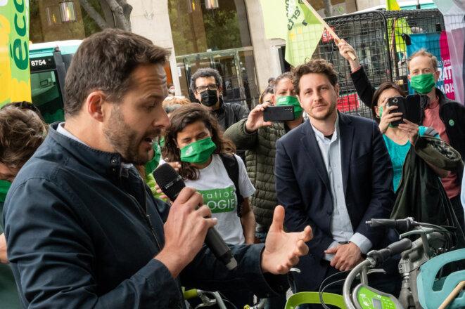 Julien Bayou, en campagne pour les élections régionales à Paris. © Riccardo Milani / Hans Lucas / Hans Lucas via AFP