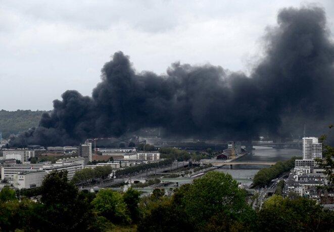 L'incendie de l'usine Lubrizol, le 26 septembre 2019. © Philippe Lopez / AFP.
