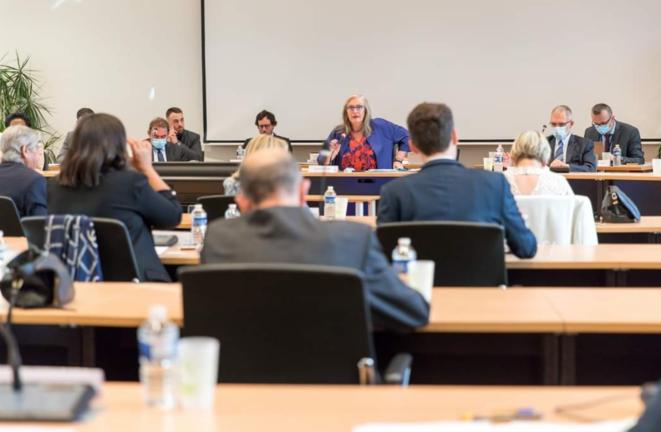 Le conseil municipal de Noisy-le-Grand, en octobre 2020. © Twitter / Brigitte Marsigny
