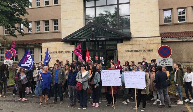 Ce 24 juin, devant l'Hôtel du département du Gers [Photo YF]