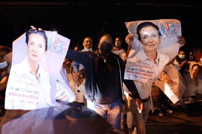 Des partisans de Huguette Bello à Saint-Paul (La Réunion), le 27 juin. © Richard Bouhet / AFP