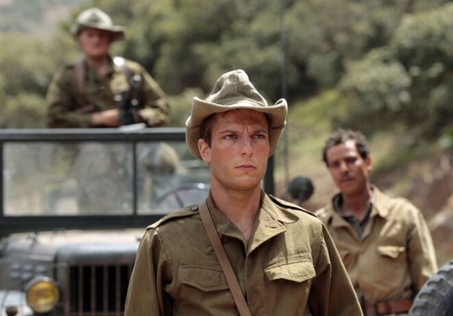 - Yoann Zimmer joue Bernard (Gérard Depardieu) jeune appelé en Algérie -