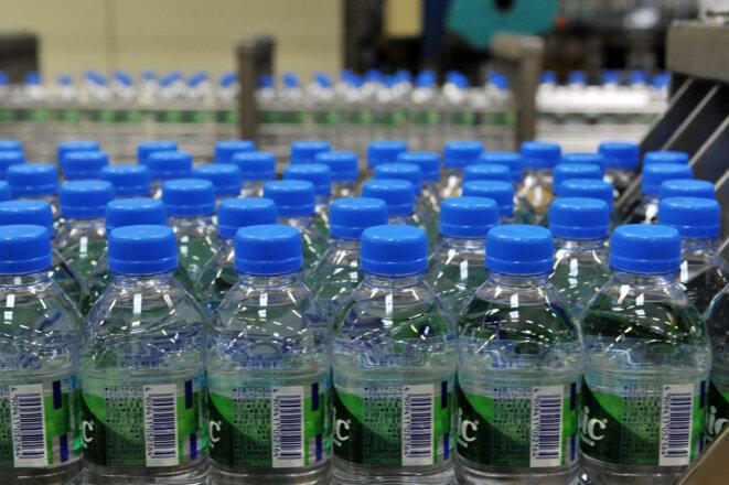 Usine d'eau minérale à Volvic. © THIERRY ZOCCOLAN / AFP