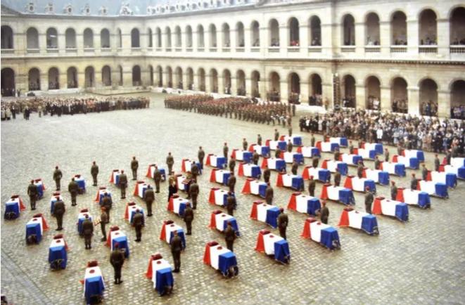 Obsèques des 53 parachutistes tombés au Liban en 1983 dans l'attentat Drakkar © Didier CODANI