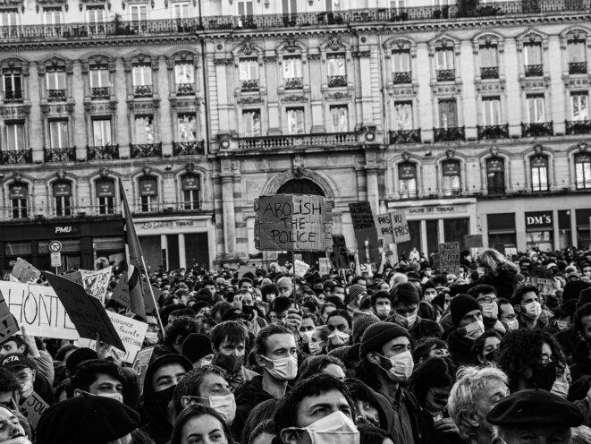 Abolition. Les mobilisations contre la loi sécurité globale ont surpris par leurs ampleurs et la détermination des manifestants, Lyon le 28 Novembre 2020. © P. Fimbel