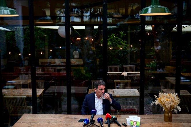 Eric Piolle au lendemain de sa déclaration de sa candidature, avant le début de sa conférence de presse du 30 juin © Martin Bureau / AFP