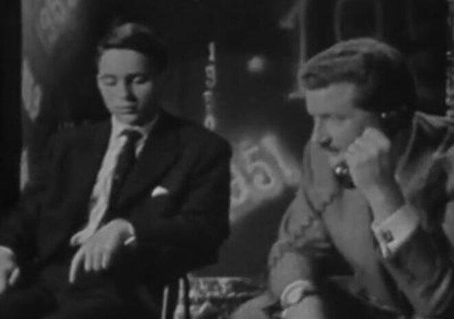 Jean-Noël Jeanneney, à 17 ans, participe à « Télé Match », premier jeu télévisé, animé par Pierre Bellemare (© copie d'écran du site de l'Ina)