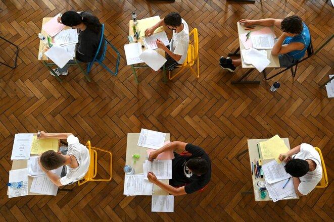 Les lycéens passent l'examen de français, la première session d'épreuves du baccalauréat 2021, le 17 juin 2021 au lycée Pasteur de Strasbourg. © Photo Fréderick Florin / AFP