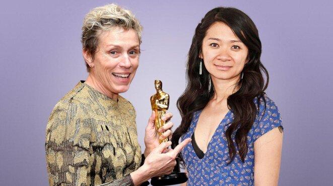 Frances Mc Dormand, Chloé Zhao et leur statuette © The Times