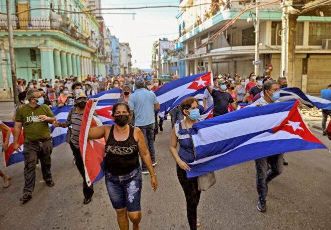 los-cubanos-defienden-sus-derechos-pero-sin-la-manipulacion-del-imperio