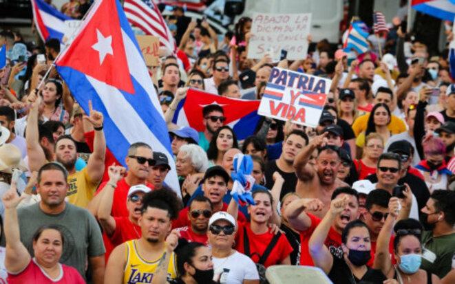 Manifestation contre le gouvernement cubain à Miami le 11 juillet 2021. Photo : AFP.