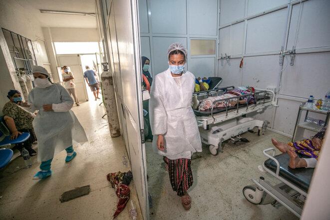Des malades du Covid à l'hôpital Ibn Jarrah de Kairouan (Tunisie), le 30 juin 2021. © Yassine Gaidi / Anadolu Agency via AFP