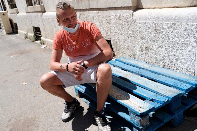 Mika, 37 ans, dit ne plus rien s'injecter désormais et chercher du travail. À Marseille, le mercredi 30 juin 2021. © IB