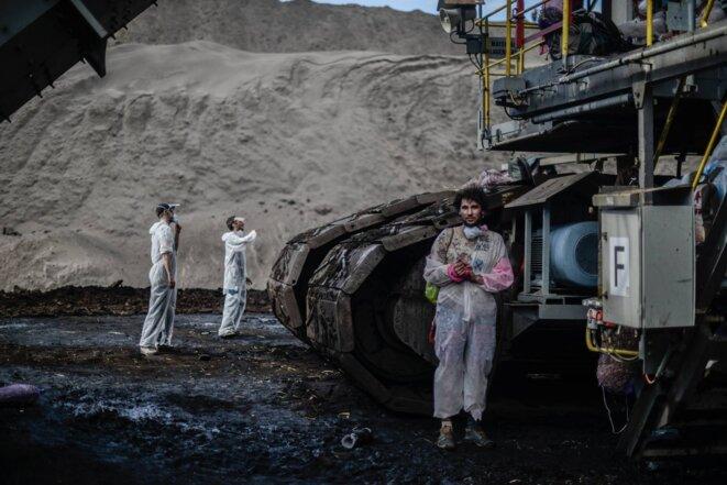 Un activiste du Pink Bloc d'Ende Gelände en Allemagne, dans la mine de Welzow Sud.13 mai 2016. © Eros Sana