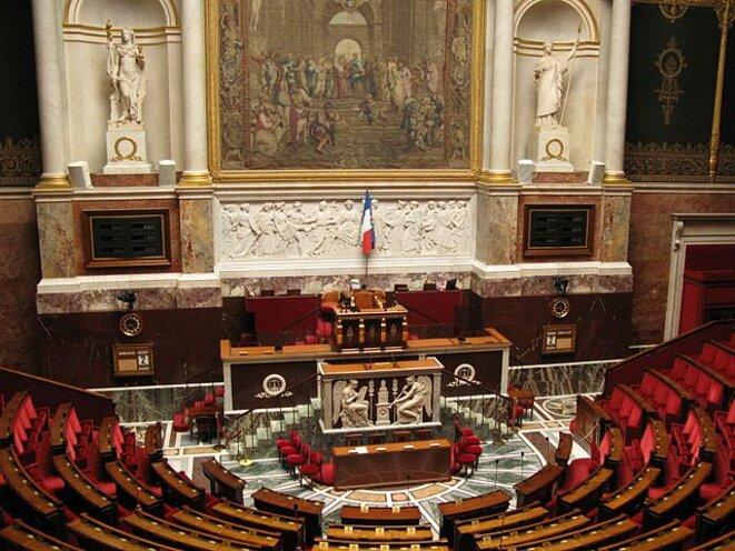 Emmanuel Macron a vidé le Parlement de son sens.