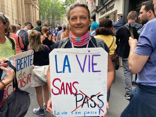 Christine, venue manifester le 17 juillet pour la liberté de choisir de se faire vacciner ou non. © RLS