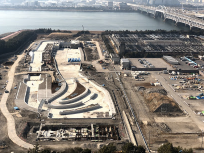 "Le""Kasai Canoe Slalom Centre (Tokyo 2020)"" en construction © Canoe slalom centre"