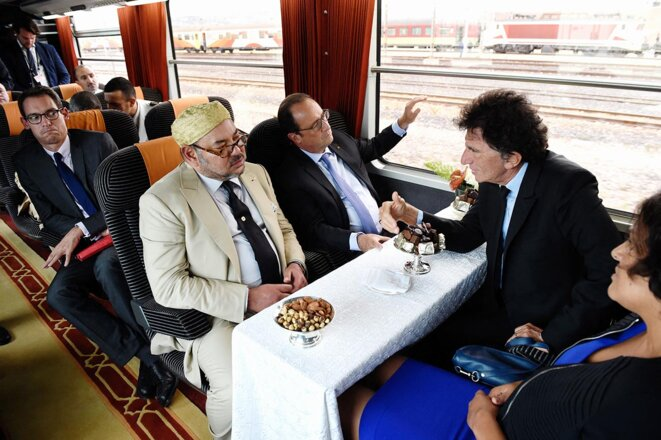Moroccan king Mohammed VI with French president François Hollande, Jack Lang, president of the Institut du Monde Arabe in Paris and labour minister Myriam El Khomri on a train to Tangiers, September 20th 2015. © Photo Alain Jocard / AFP