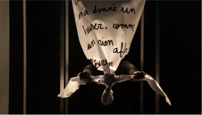 «Je hurle» au festival Off d'Avignon. © Baptiste Cogitore