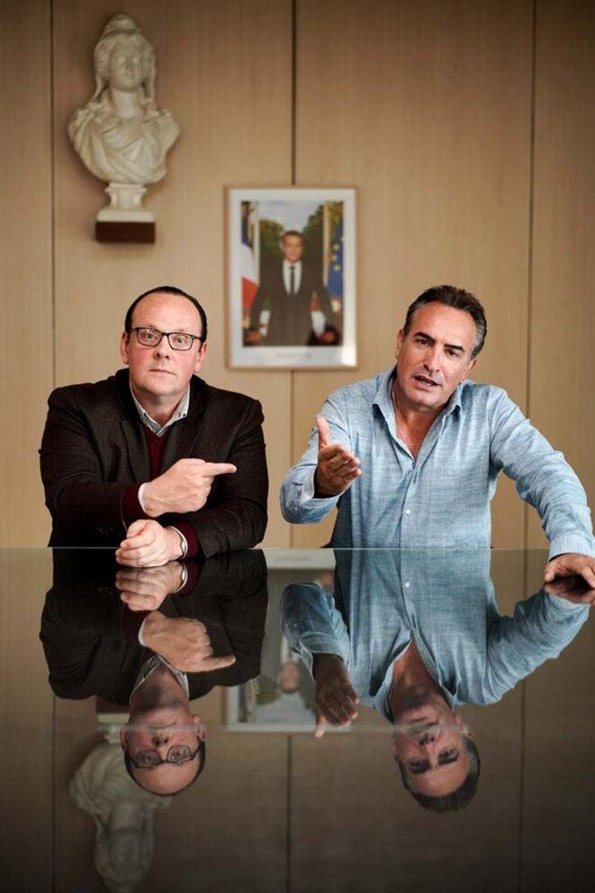 - Grégory Gadebois (François Hollande), et Jean Dujardin (Nicolas Sarkozy) -