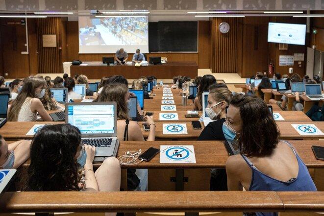 Lors de la rentrée universitaire de septembre 2020 sur le campus de Pessac de l'université de Bordeaux Montesquieu. © Photo Valentino Belloni / Hans Lucas via AFP