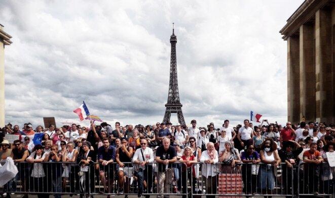 Meeting contre le passe sanitaire organisé au Trocadéro par le mouvement Les Patriotes de Florian Philippot, Paris, 24 juillet 2021. © MC / Mediapart