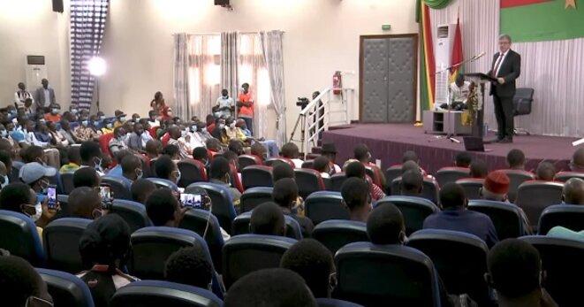Jean-Luc Mélenchon prononce son allocution devant les étudiants de l'université Joseph Ki-Zerbo de Ouagadougou le mercredi 21-juillet 2021