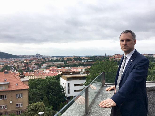 Zdeněk Hřib, 40 ans, médecin de formation et maire de Prague. © Photo Prune Antoine pour Mediapart