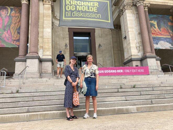 Lykke et Trine ont dû présenter leur passe sanitaire pour entrer au musée à Copenhague, ce ne sera plus requis à partir du 1er août. © RLS