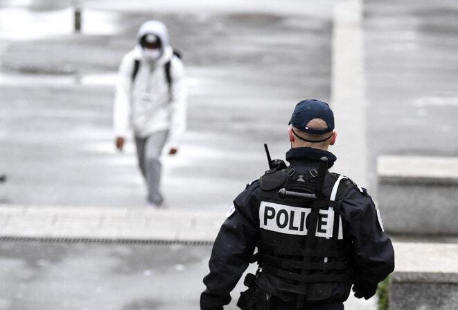 Patrouille de police à Sarcelles, en février 2021. © Photo Alain Jocard / AFP