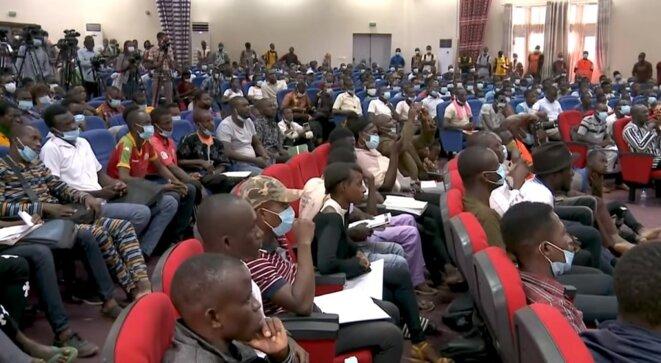 Un auditoire très nombreux et attentionné lors de la conférence de Jean-Luc Mélenchon