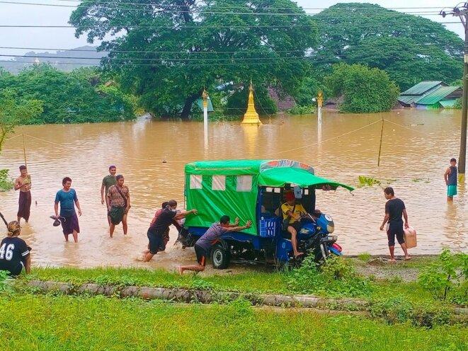 27 juillet 2021. Des inondations ont détruit le marché de Thandwe, dans l'État de Rakhine, frappé par des pluies torrentielles. © Collectif The Myanmar Project