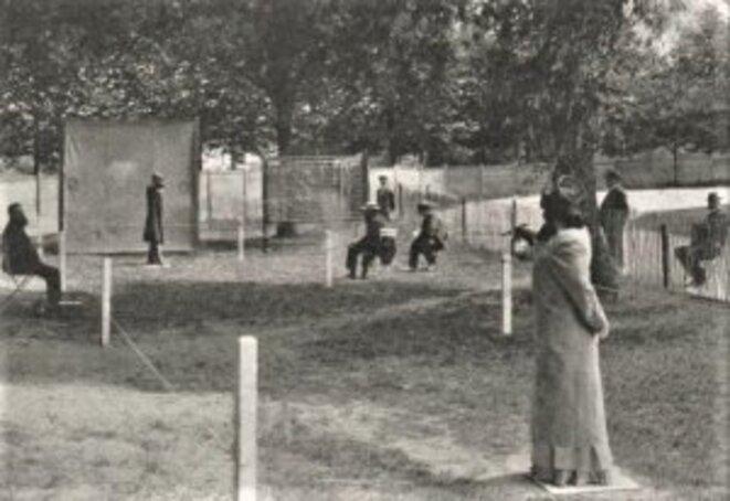 Tir à la carabine vers 1950 © Photo Delcampe