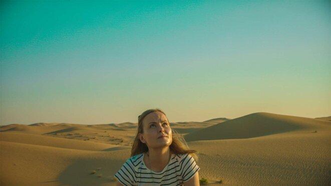 Comment faire pleuvoir sur les dunes du désert émirati ? (How to Kill a Cloud, 2021, réal. Tuija Halttunen)