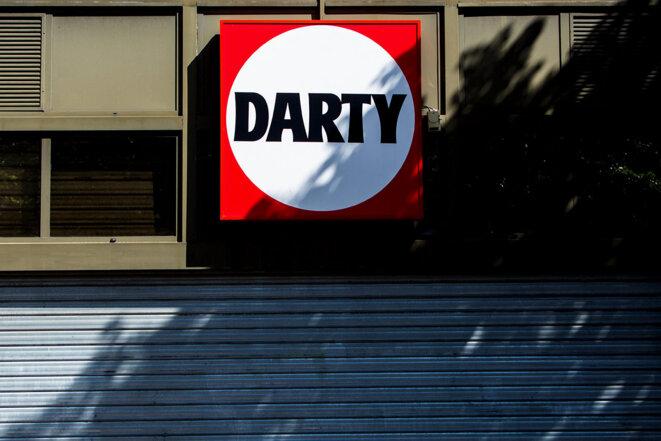 Des anciens salariés de Darty témoignent aujourd'hui de transactions frauduleuses en argent liquide dans certains magasins du groupe. © Photo Matthieu Rondel / Hans Lucas via AFP