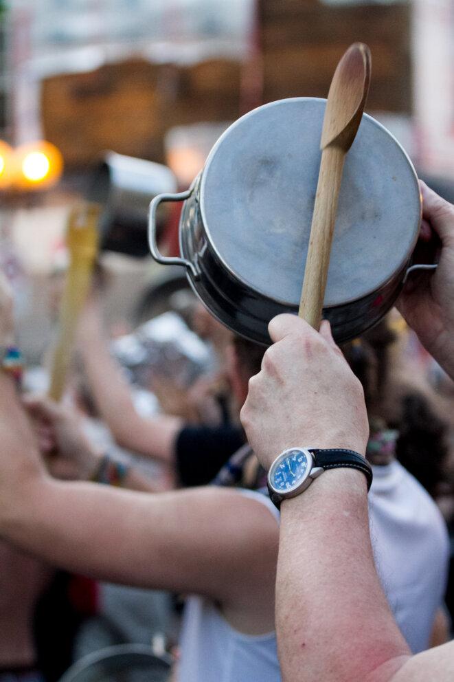 Manifestation casserolienne © Francis Bourgoin