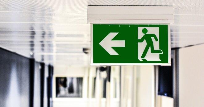 Par ici la sortie © Image par monicore de Pixabay