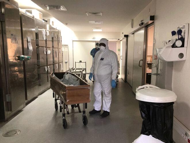 Mardi 17 août, morgue de l'hôpital Pierre Zobda-Quitman, à Fort-de-France. © YS/Mediapart