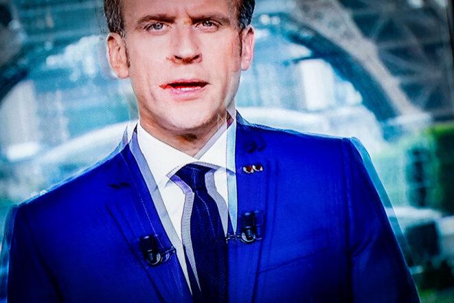 Emmanuel Macron, lors de son allocution du 12 juillet 2021, annonçant de nouvelles mesures sanitaires pour lutter contre l'épidémie du variant Delta du Covid-19. © Photo Sébastien Calvet / Mediapart