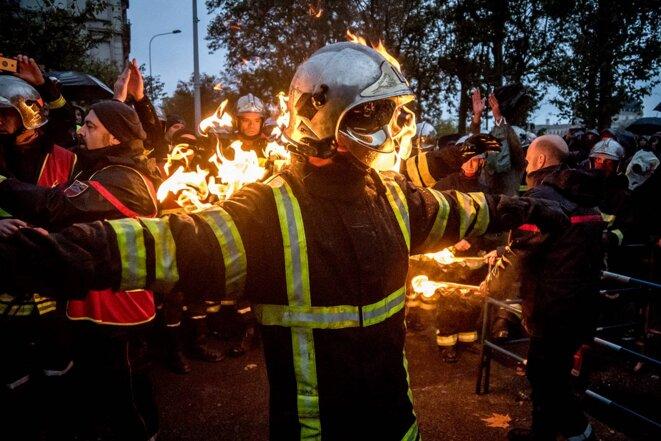 Manifestation des personnels secteurs des services d'urgence, du SAMU et des pompiers à Lyon, le 14 novembre 2019. © Photo de Nicolas Liponne / NurPhoto via AFP