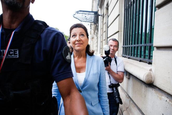 L'ex-ministre Agnès Buzyn, vendredi 10 septembre, avant son audition par les magistrats instructeurs de la Cour de justice de la République. © Sebastien Calvet / Mediapart