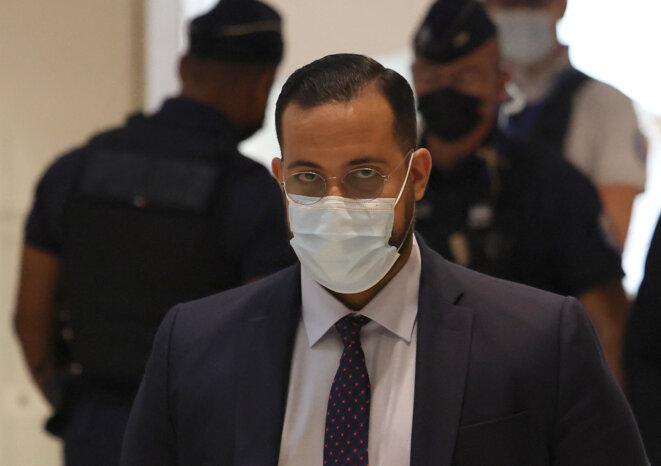 Alexandre Benalla au tribunal judiciaire de Paris, le 13 septembre. © Thomas Coex/AFP