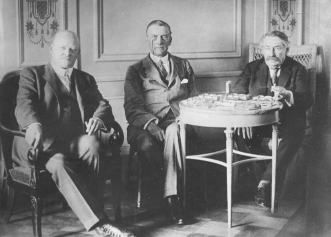 Stresemann, Chamberlain et Briand à Locarno